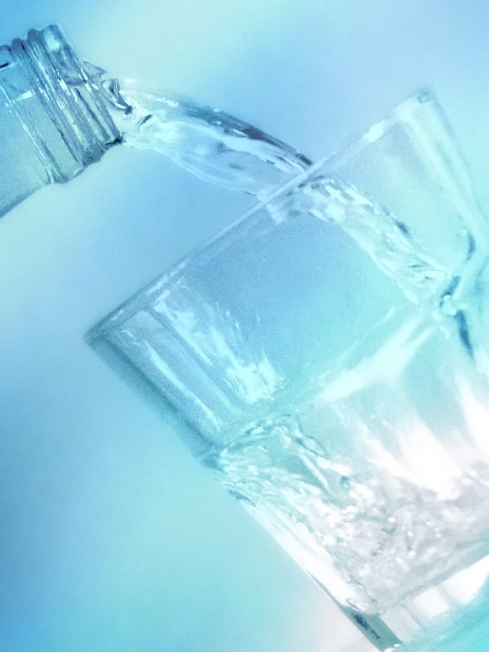 Árt a fogaknak a túl sok palackozott víz