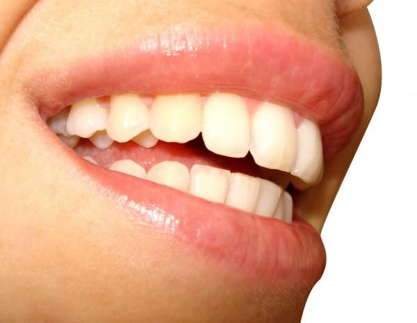 Éjszaka szünetet tartanak a szájüregi biofilmek?