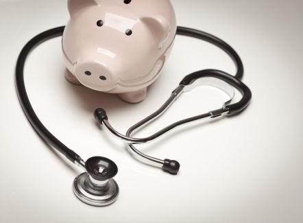 Kisebb vagyont spórolhatnak a betegek évente, ha időben kezeltetik ínybetegségüket