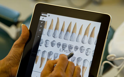 Viszlát műanyag fogak! Üdv high-tech szimulátorok a fogászati oktatásban