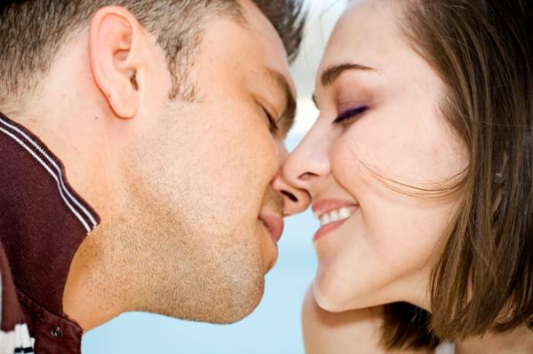 Csókolózással elkaphatjuk a fogszuvasodást?