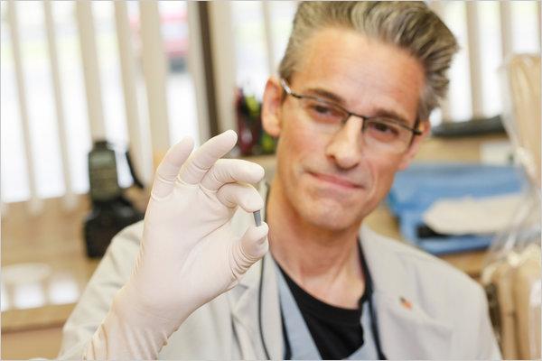 Implantátumok: megtakarítás és javulás az életminőségben