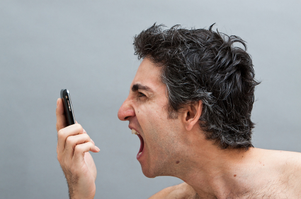 7 tipp az ingerülten telefonáló betegek hatékony kezeléséhez
