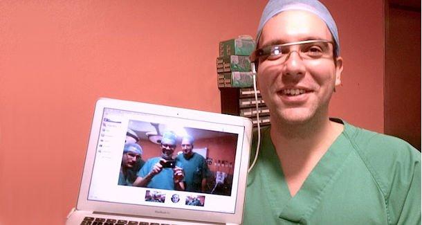 Google Glass-al közvetítettek először a világon egy maxillofaciális műtétet