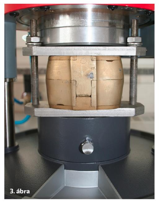 3. ábra: A Drufomat scan az integrált présbetéttel és a présfolyamat alatt álló küvetta.