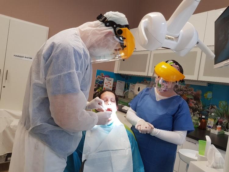 Képes riport a Gáspár Medical Centerből a 2020 tavaszi koronavírus járvány idején