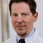 Csontpótló eljárások alapelvei és lehetőségei: egyszerű és bonyolult esetek – videóelőzetes Dr. Christian Mertenssel