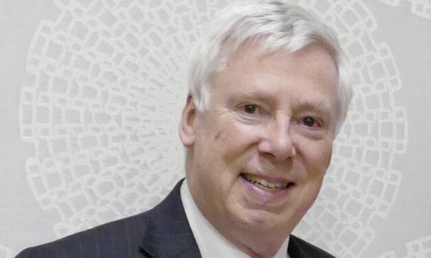 Insignia A-tól Z-ig: Egyénre szabott és következetes precíziós fogszabályozás – videó beszélgetés Dr. David Birnievel