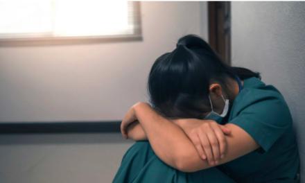 """COVID-19 – """"félelem, tehetetlenség és terror"""", ezt érzik a frontvonalban dolgozó fogorvosok Kínában"""