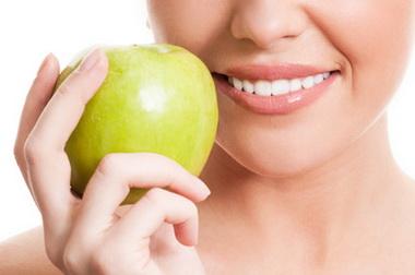 Parodontálisan érintett fogak direkt sínezése – anyagok és lehetôségek