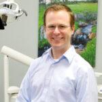 Hogyan változtatta meg a digitális implantológia a praxisomat? – videóelőzetes Dr. Michael Schererrel