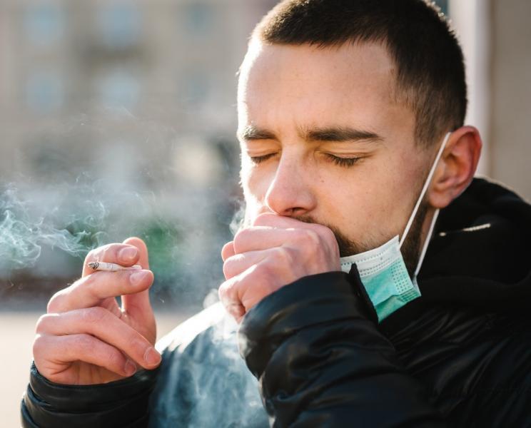 A dohányzók több mint fele stressz dohányzik a COVID-nak köszönhetően