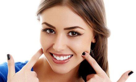 Természetes hatás – szép fogak, mesterséges megjelenés nélkül